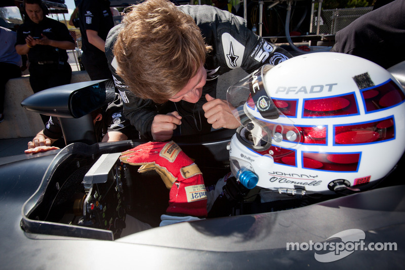 Johnny O'Connell tests the #0 Nissan DeltaWing Project 56 Nissan talks with Lucas Ordonez
