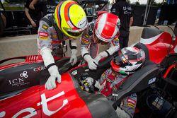 Pit stop practice for #46 Thiriet by TDS Racing Oreca Nissan: Mathias Beche, Pierre Thiriet, Christo