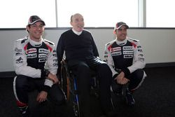 Bruno Senna and Pastor Maldonado, Williams F1 Team with Frank Williams