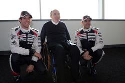 Bruno Senna and Pastor Maldonado, Williams F1 Team with Frank Williams