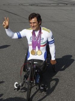 Alex Zanardi mit seinem Handfahrrad