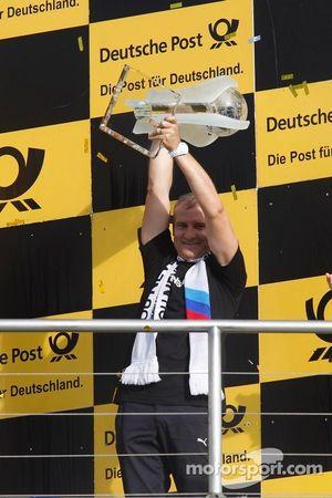 Jens Marquardt, BMW Motorsport Director with the Trophy of Manufacturer Championship 2012 for BMW