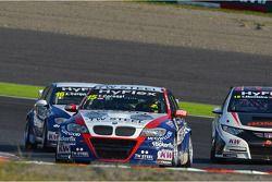 Tom Coronel, BMW 320 TC, ROAL Motorsport, Alberto Cerqui, BMW 320 TC, ROAL Motorsport en Tiago Monte