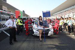 La chica de parrilla de Tiago Monteiro, Honda Civic Super