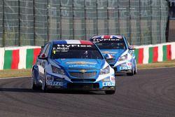 Yvan Muller, Chevrolet Cruze 1.6T, Chevrolet en Robert Huff, Chevrolet Cruze 1.6T, Chevrolet
