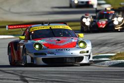 #45 Flying Lizard Motorsports Porsche 911 GT3 RSR: Jörg Bergmeister, Patrick Long, Patrick Pilet