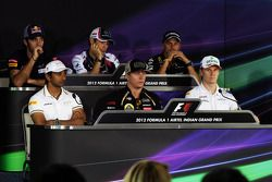 FIA basın toplantısı, Scuderia Toro Rosso; Bruno Senna, Williams; Heikki Kovalainen, Caterham; Narai