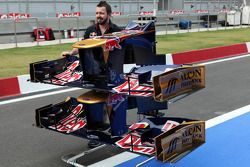 Scuderia Toro Rosso STR7 ön kanats