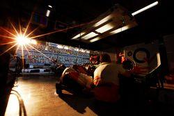 Sun sets Sahara Force India F1 Team garajı