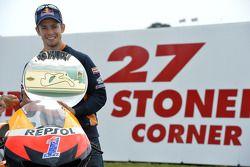Una esquina con el nombre de Casey Stoner, del equipo Repsol Honda