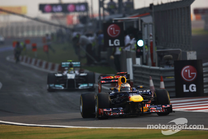 Sebastian Vettel, Red Bull Racing verlaat de pits