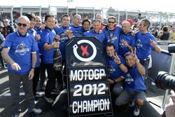 The Yamaha team celebrates Jorge Lorenzo's championship