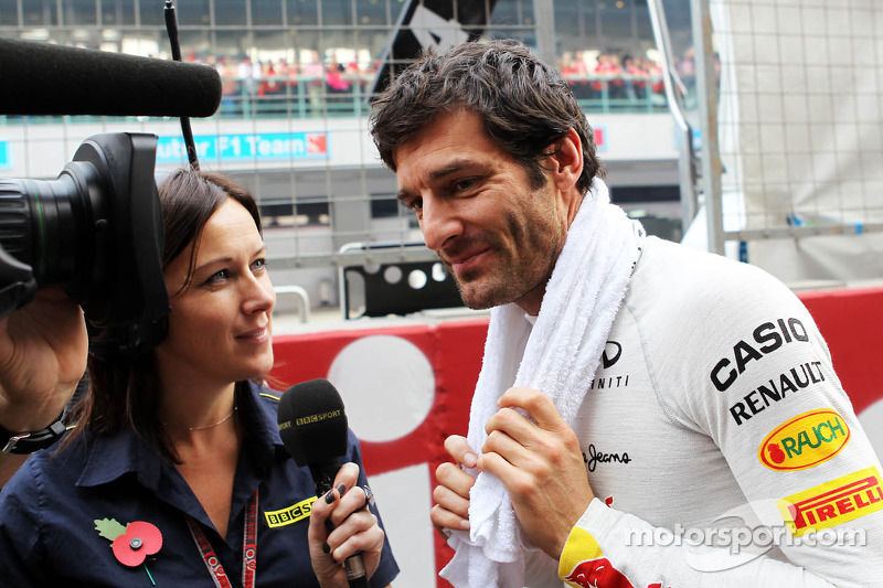 Mark Webber, Red Bull Racing with Lee McKenzie, BBC Television Presenter on the grid at Indian GP