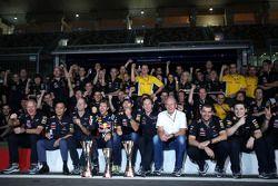 Sebastian Vettel, Red Bull Racing, Mark Webber, Red Bull Racing, Christian Horner, Red Bull Racing,