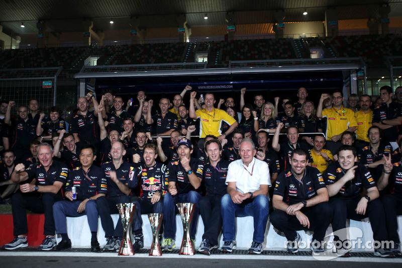 Sebastian Vettel, Red Bull Racing, Mark Webber, Red Bull Racing, Christian Horner, Director Deportiv