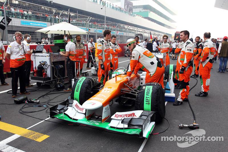 Sahara Force India F1 op de grid