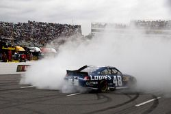 Race winnaar Jimmie Johnson, Hendrick Motorsports Chevrolet
