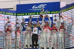 Overall podium: winners Alexander Wurz, Nicolas Lapierre, second place Tom Kristensen, Allan McNish,