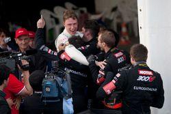 Race winnaars #17 Hexis Racing MP4-12C: Stef Dusseldorp, Frederic Makowiecki