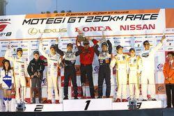 GT300 podium: winners and 2012 champions Kyosuke Mineo, Naoki Yokomizo