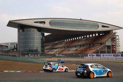 Tom Chilton, Ford Focus S2000 TC, Team Aon en Pepe Oriola, SEAT Leon WTCC, Tuenti Racing Team