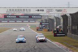 Yvan Muller, Chevrolet Cruze 1.6T, Chevrolet en Tom Coronel, BMW 320 TC, ROAL Motorsport