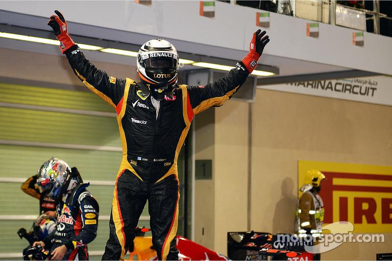 Le vainqueur Kimi Raikkonen, Lotus F1 Team fête sa victoire dans le Parc Fermé