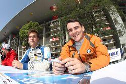 Pepe Oriola, SEAT Leon WTCC, Tuenti Racing Team en Norbert Michelisz, BMW 320 TC, Zengo Motorsport