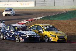 Alberto Cerqui, BMW 320 TC, ROAL Motorsport and Colin Turkington, Chevrolet Cruze 1.6T, TEAM AVIVA-