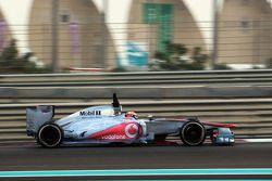 Kevin Magnussen, McLaren Test Driver covered in flow-vis paint