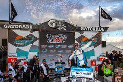 Victory lane: le vainqueur Joey Logano
