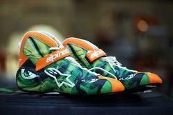 De Alpinestars schoenen van Nico Hulkenberg, Sahara Force India F1, ontworpen door de winnaar van een wedstrijd