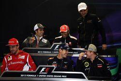 FIA persconferentie; Lewis Hamilton, McLaren; Pedro De La Rosa, HRT Formula 1 Team; Fernando Alonso,