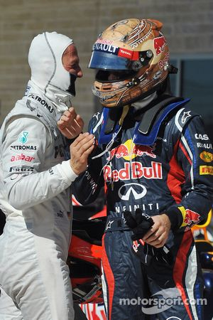 Polepositie Sebastian Vettel, Red Bull Racing viert met Michael Schumacher, Mercedes AMG F1