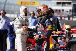 Sebastian Vettel, Red Bull Racing viert polepositie in parc ferme met Michael Schumacher, Mercedes A