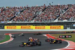 Start: Sebastian Vettel, Red Bull Racing aan de leiding