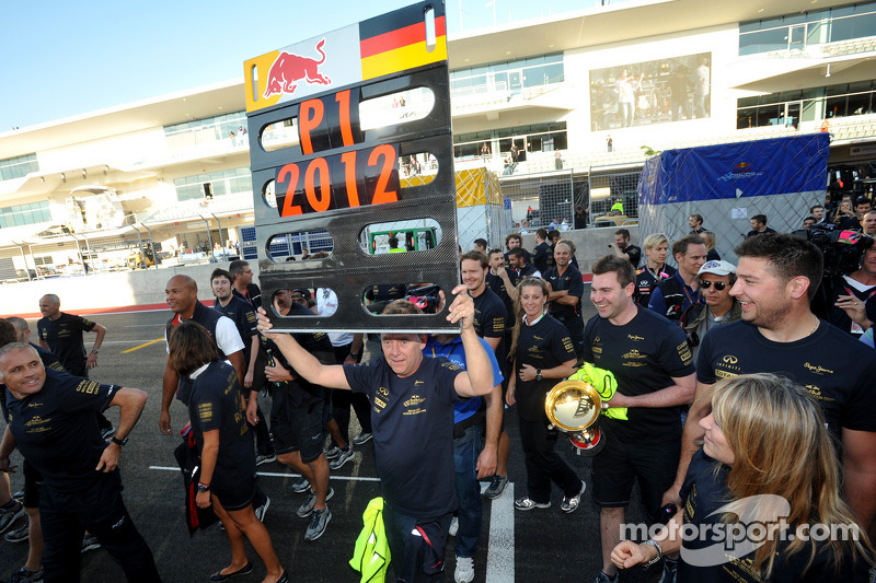 L'équipe Red Bull Racing fête le titre constructeurs