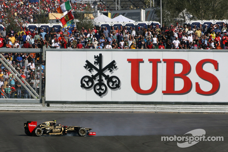 Romain Grosjean, Lotus F1 Team spin