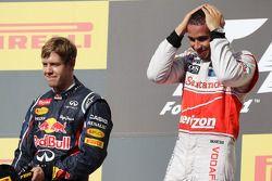 Race winnaar Lewis Hamilton, McLaren celebrates op het podium