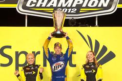 Círculo de la victoria del Campeonato: El campeón de NASCAR Sprint Cup Series 2012, Brad Keselowski,