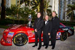 NASCAR Nationwide Series kampioen Ricky Stenhouse Jr., Roush-Fenway Ford met Jack Roush