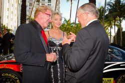 Z-Line Designs President en CEO Jim Sexton met Joe Gibbs