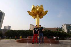 59ste Macau Grand Prix promo fotoshoot, Pepe Oriola, SEAT Leon WTCC, Tuenti Racing Team en Fernando