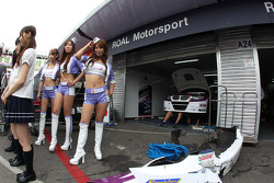 Kei Cozzolino, BMW 320 TC, ROAL Motorsport and girls
