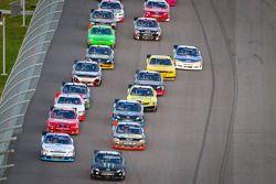 Start: Kyle Busch, Kyle Busch Motorsports Toyota en Elliott Sadler, Richard Childress Racing Chevrol