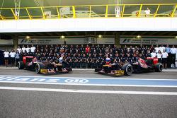 Scuderia Toro Rosso team photo