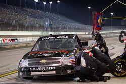 Pit stop for Kyle Larson, Earnhardt Ganassi Racing Chevrolet