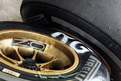 Pirelli banden voor Romain Grosjean, Lotus F1 Team