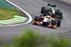 Pedro De La Rosa, HRT Formula 1 Team voor Vitaly Petrov, Caterham