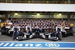 Pastor Maldonado, Williams; Valtteri Bottas, Williams Third Driver; Frank Williams, Williams Team Ow